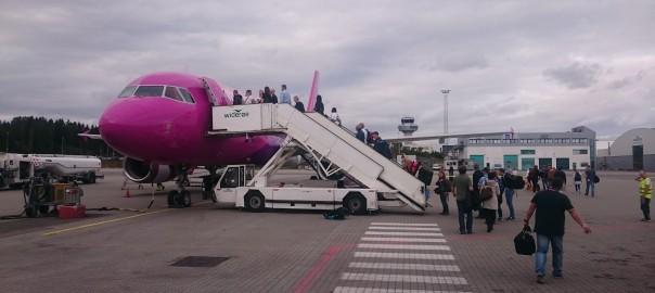 lot z Sandefjord do Poznania